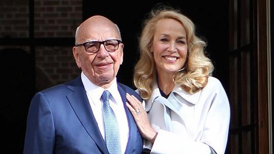 Rupert Murdoch a Jerry Hall už tvoří manželský pár.