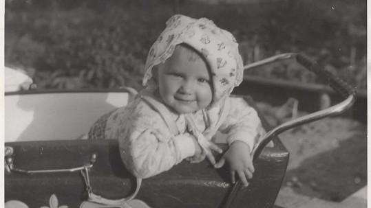 Poznáte krásné buclaté miminko na fotce? Vyrostlo do pořádné krásy!
