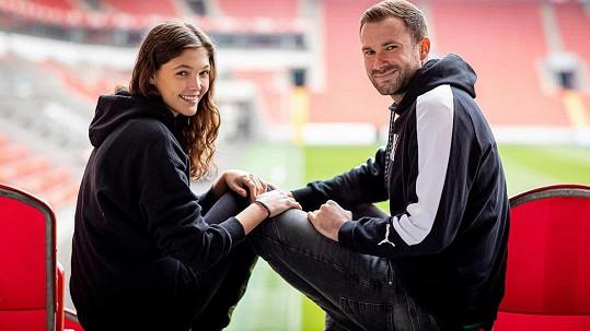Jana chodí s hráčem SK Slavia Praha Ondřejem Kolářem.