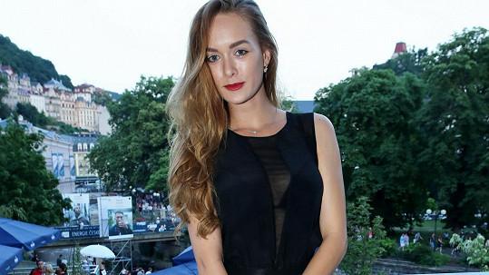 Dominika Kadlčková se objevila na párty ve Varech.