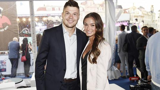Tomáš Hertl s manželkou Anetou
