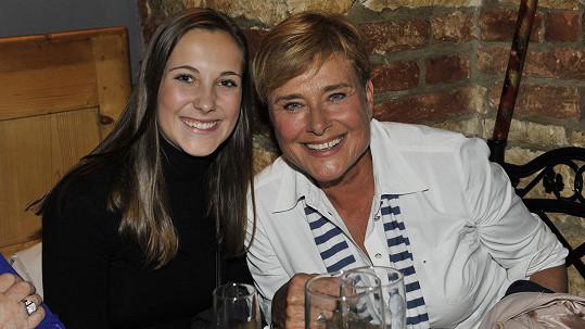 Marie Retková s vnučkou