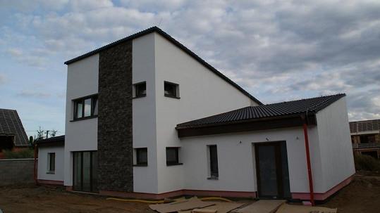 Tato stavba naprosto vyhovuje představám Ilony Csákové o ideálním bydlení.