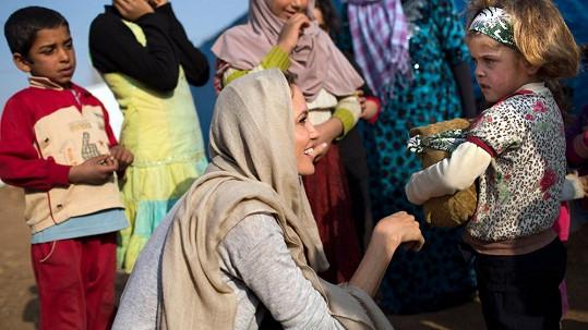 Angelina Jolie během své mise v Libanonu