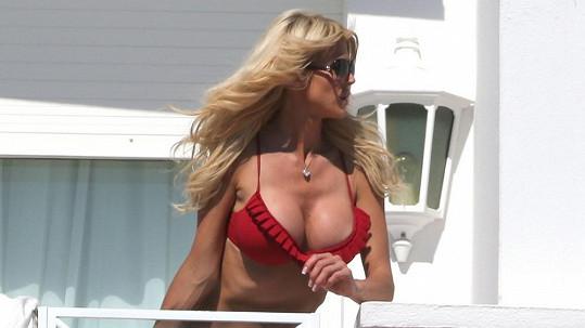 Victoria Silvstedt si užívala jihofrancouzské sluníčko.