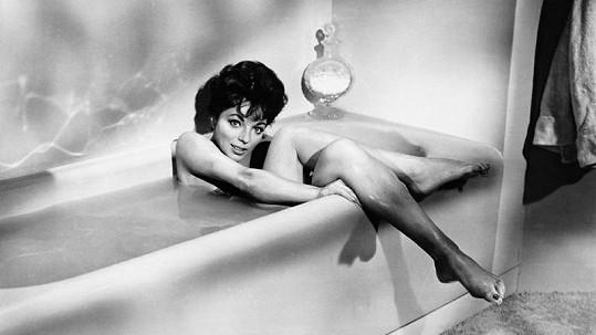 Joan Collins byla v mládí pěkná kočka.