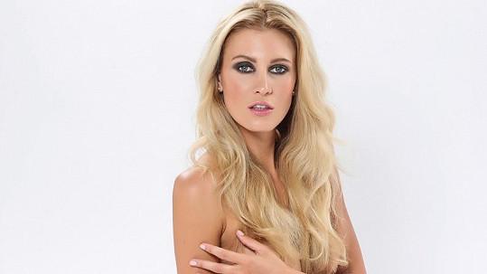 Kateřina Průšová úplně nahá.