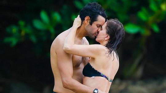 Kristen Wiig a Avi Rothman na Havaji