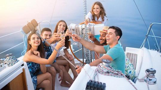 Párty na lodi může být nebezpečná. (ilustrační foto)