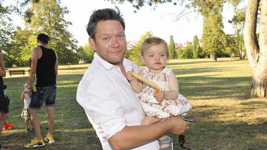 Frontman kapely Monkey Business očekává narození druhé dcerky.
