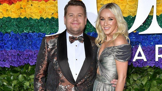 James Corden s manželkou Juliou Carey