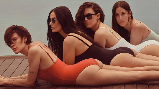Demi Moore s dcerami v plavkové kampani