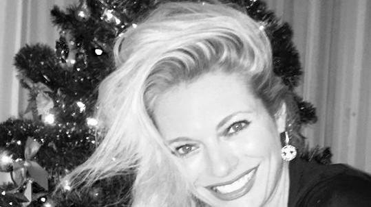 Lucie Borhyová a její vánoční úsměv od ucha k uchu.