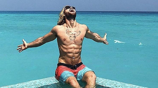 Jakub Jurčák má druhé nejkrásnější tělo v plavkách na světě.