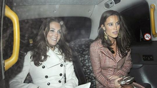 Vévodkyně Kate a její sestra Pippa se staly britskými ikonami krásy pro rok 2011.