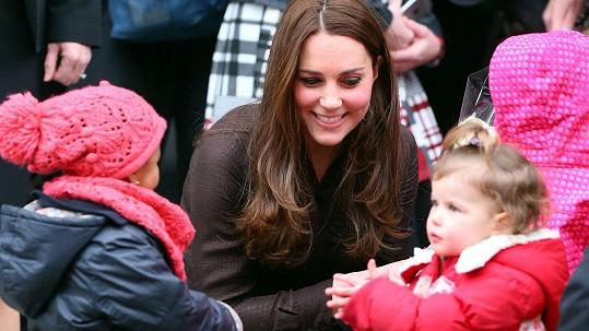 Kate a její malé obdivovatelky