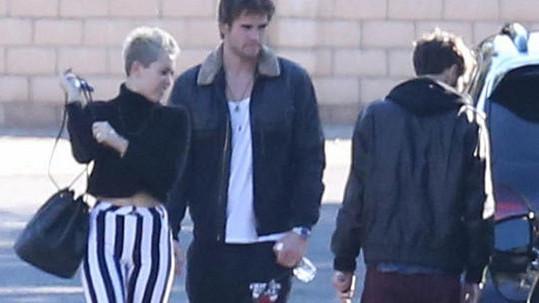 Miley Cyrus vypadala jako klaun.