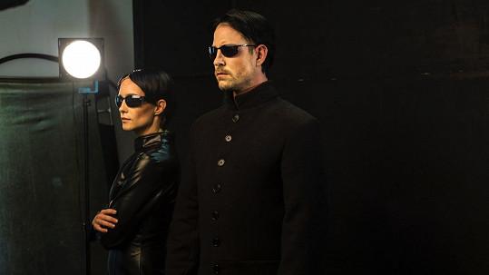 Hana Vagnerová a Vladimír Polívka jako Trinity a Neo z Matrixu