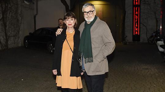 Oslavenec Jiří Bartoška s manželkou Andreou