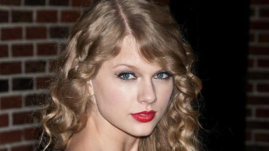 Tato zpěvačka si z mladých umělců vydělala nejvíc. Poznáváte ji?