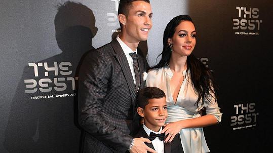 Cristiano Ronaldo s partnerkou a synem