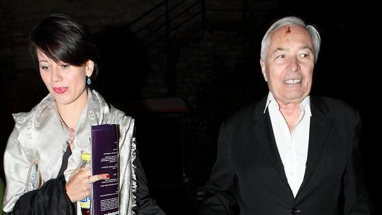 Libor Pešek dorazil na koncert ruku v ruce s Dášou Zázvůrkovou.
