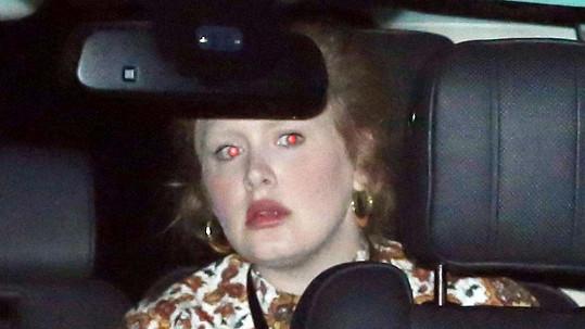Adele si řidičský průkaz udělala teprve nedávno.