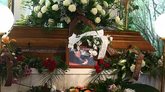 Rodina a kamarádi se rozloučili se známým hercem.