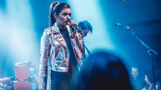 Nelly Řehořová všechen svůj volný čas věnuje zpěvu.