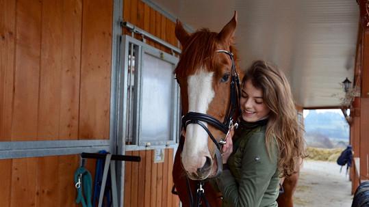 Adéla Částková má pořádného koníčka.