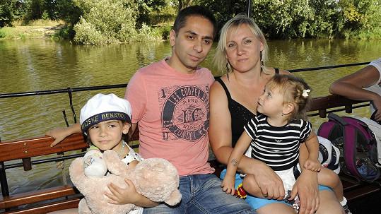 Vlasta Horváth s manželkou a dcerami