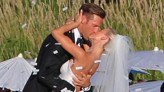 Julianne a Brooks vstoupili do manželství.