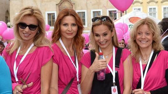 Ivana se prošla v čele růžového průvodu už potřetí.