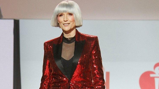 Maye Musk na přehlídce Go Red for Women
