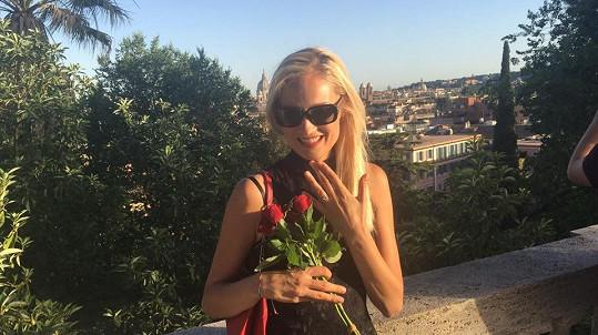 Pavlína Holubová se pochlubila zásnubním prstenem