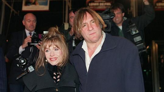 Élisabeth a Gérard Depardieuovi na fotce z 90. let.