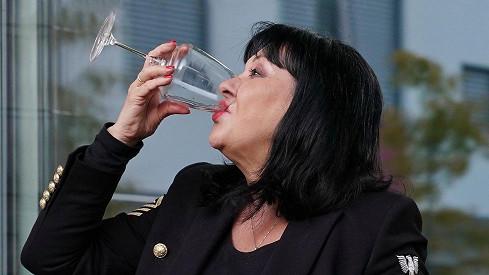 Opilá maminka vid