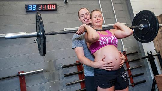 Katja Harjanne cvičí i těsně před porodem.