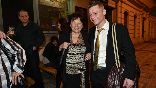 Svatava Bartošová přišla na Královny popu s Jarkem Šimkem a rozdávala úsměvy.