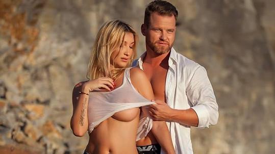 Dominika s Tomášem nafotili žhavé snímky.