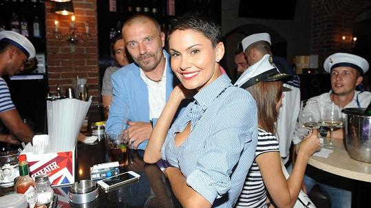 Vlaďka s Tomášem jako námořníci