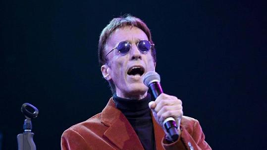 Robin Gibb se ještě v únoru vrátil na pódium.