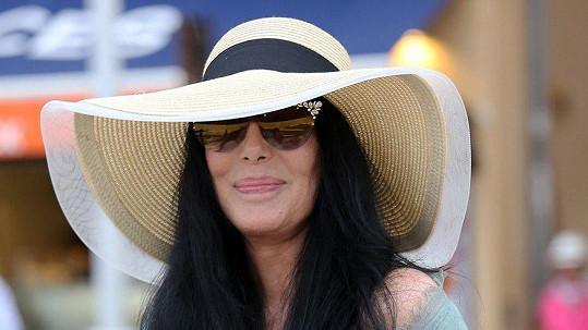 Cher realaxovala v Saint-Tropez.