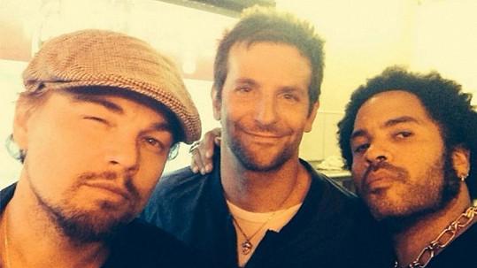 Leonardo, Bradley a Lenny na společné fotce
