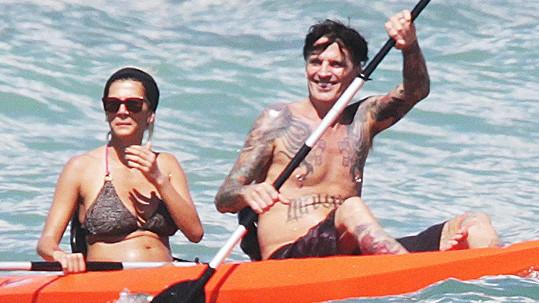 Tommy Lee a Sofia Toufa na Havaji