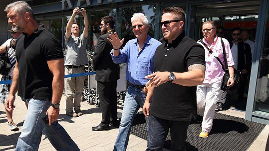 Richard Gere přiletěl do Varů