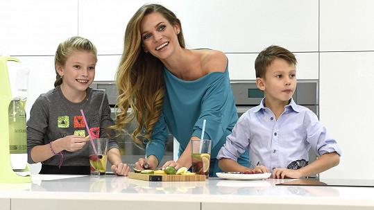 Andrea se svými dětmi