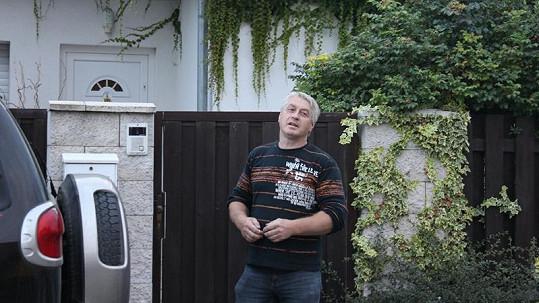 Nový ochránce Bartošové Josef Rychtář má prý spadeno na její peníze.