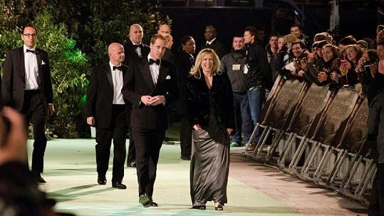 Princ William s generální manažerkou kina Tessou Street.