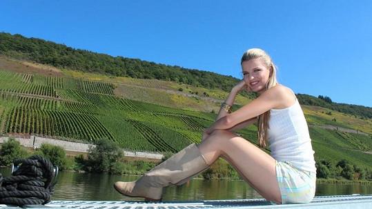Veronika plula čtyři dny mezi vinicemi.